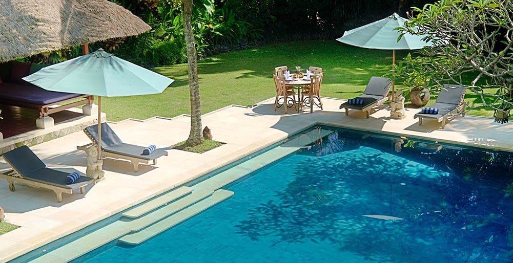 Villa Alamanda - Pool deck & breakfast set 2