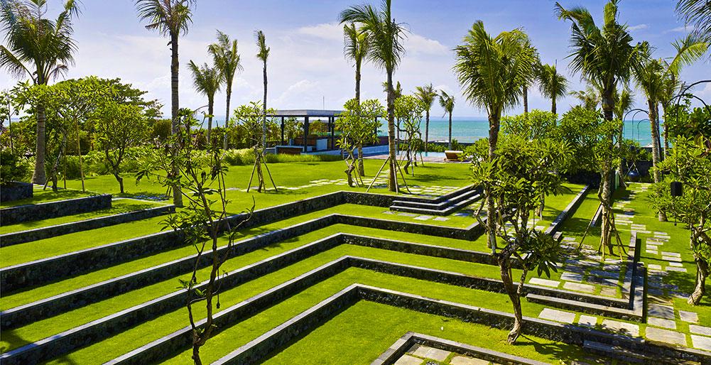 Arnalaya Beach House   Terraced Garden