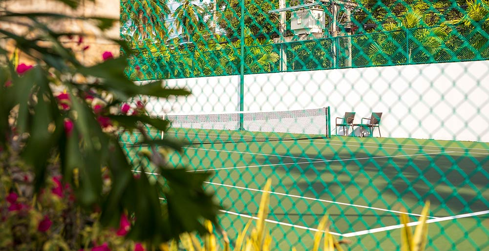 Tawantok Beach Villas - Tennis court