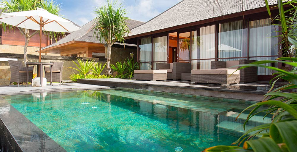 Villa Bayu Gita - Beachfront - Master suite one plunge pool