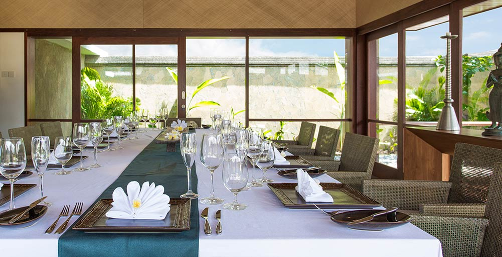 Villa Bayu Gita - Beachfront - Indoor dining