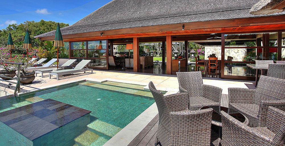Indah Manis   Pool And Living Room