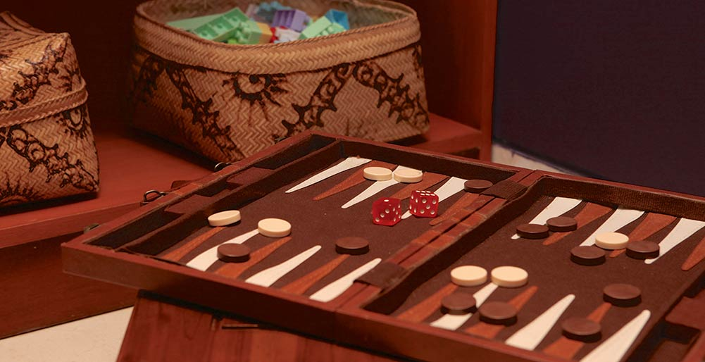Indah Manis - Backgammon board