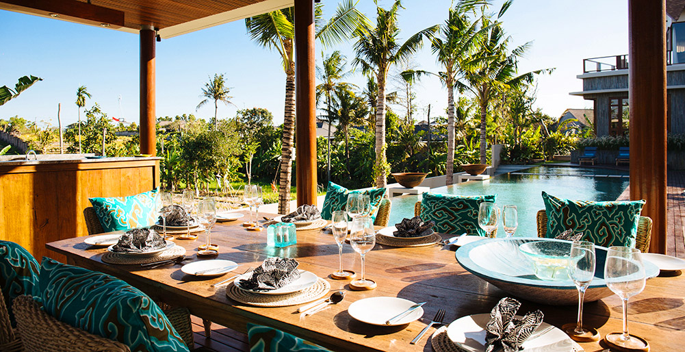 Villa Umah Daun - Dining and pool view