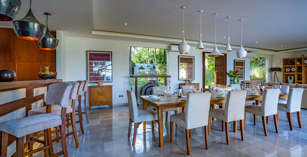 Seseh Beach Villa I - Formal dining area
