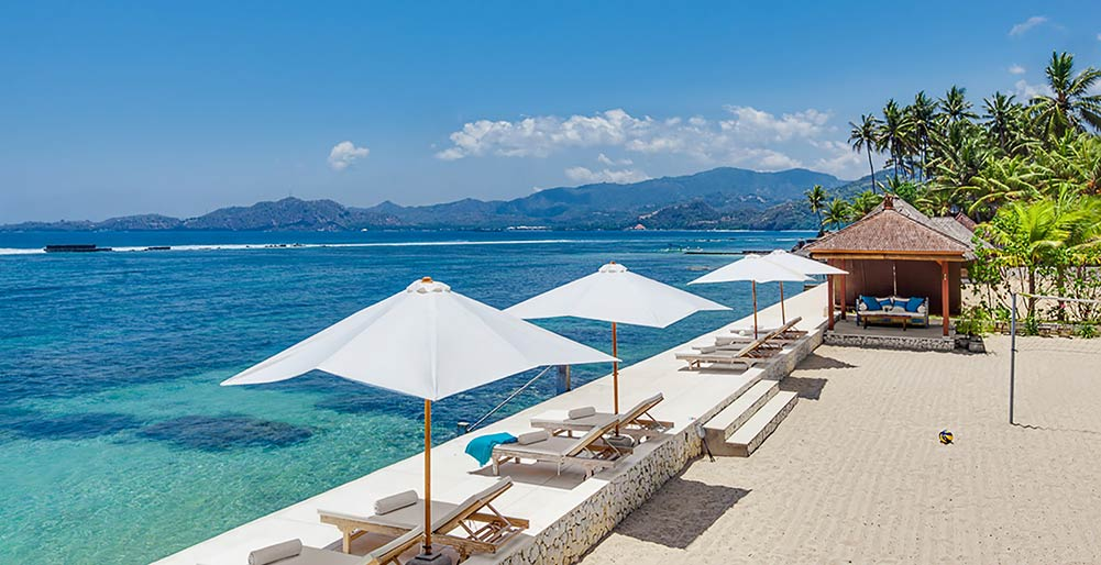Villa Tirta Nila - Private beach and ocean deck