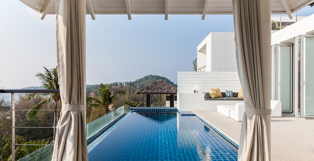 Villa Sammasan - Sun loungers by the pool