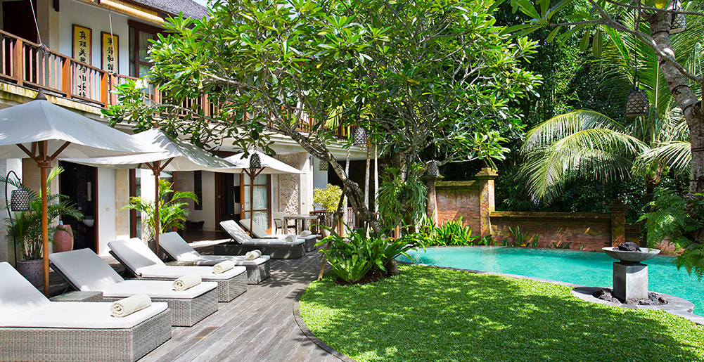 Nyanyi Riverside Villas - Villa Iskandar - Pool and deck