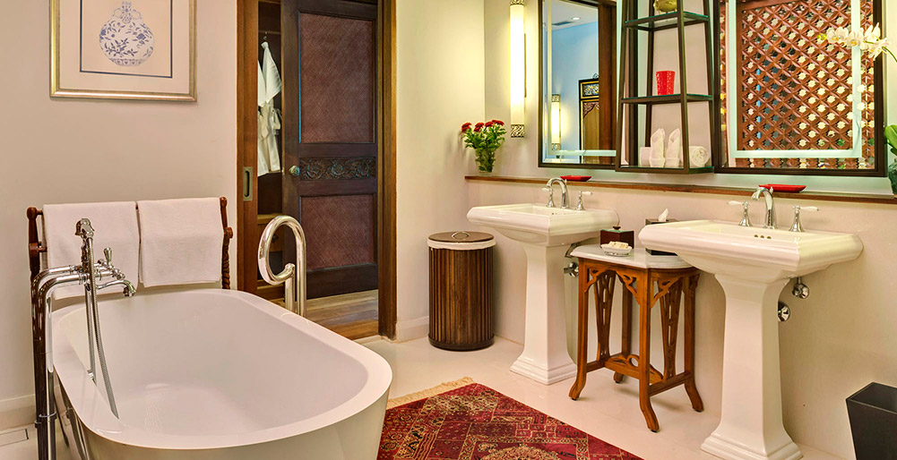 Des Indes Villas - Des Indes III - Guest bedroom bathroom features