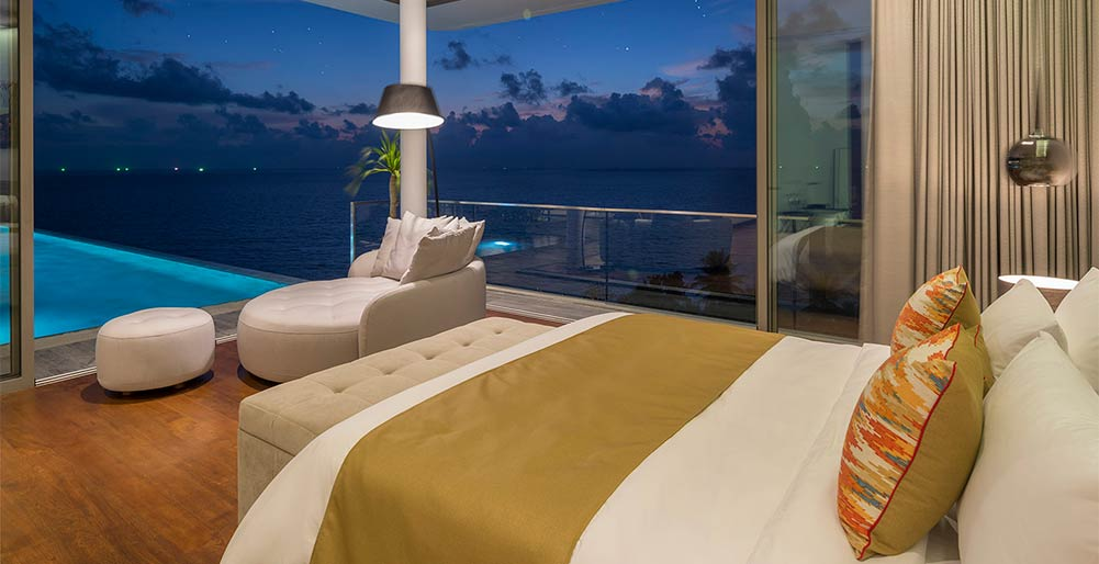 Malaiwana Penthouse - Bedroom night time setting