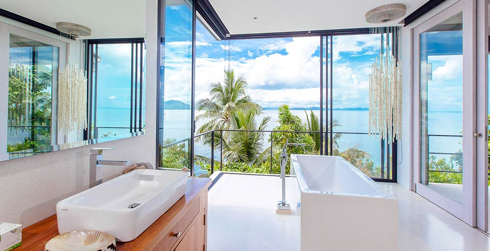 Arcadia at Cape Laem Sor Estate - Master bedroom ensuite bathroom ...