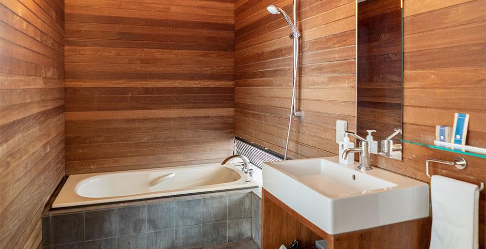 Sekka Ni 2 - Modern Japanese-style bathroom
