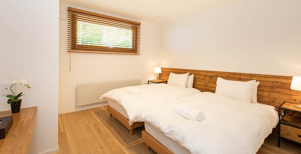 Birchwood Chalet - Comfortable guest bedroom
