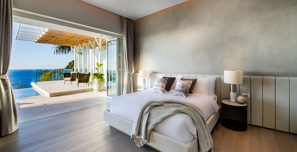 Villa Borimas - Contemporary master bedroom design