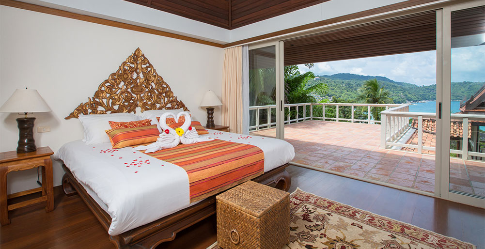 Baan Chaitalay - Luxurious master bedroom