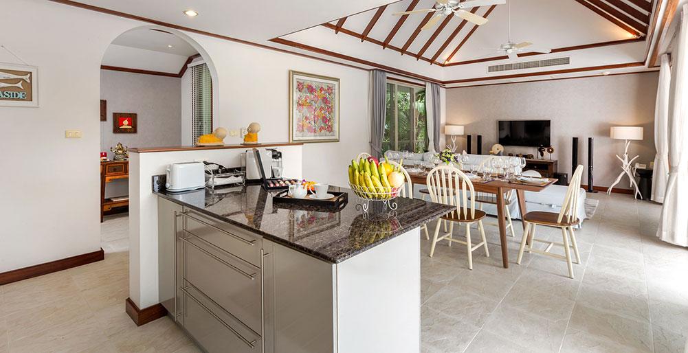 Villa Makata 2 - Kitchen and living area