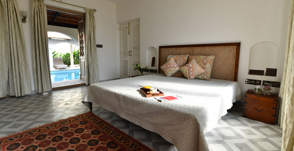 Fonteira Vaddo E - Bedroom two with pool view