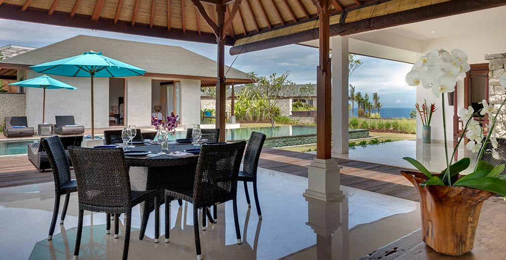 Pandawa Cliff Estate - Villa Marie - Open air dining