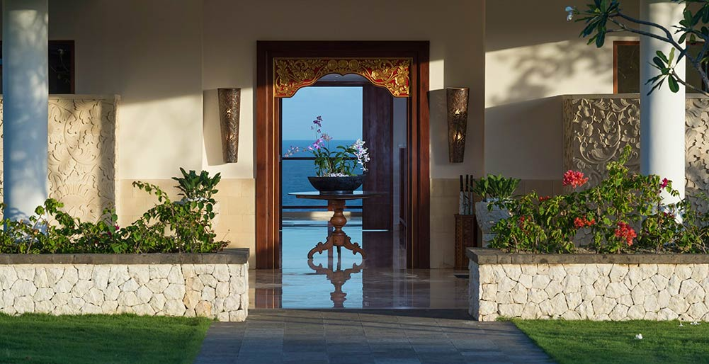 Pandawa Cliff Estate - Villa Rose - View through the villa to the sea