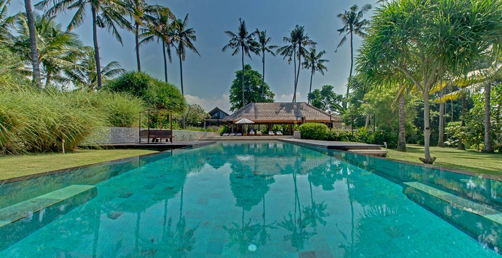 Villa Samadhana - Pool and entertainment pavilion