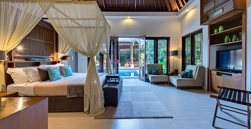 Toba - Bedroom one view to pool