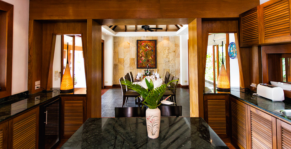 Baan Surin Sawan - Kitchen & dining room