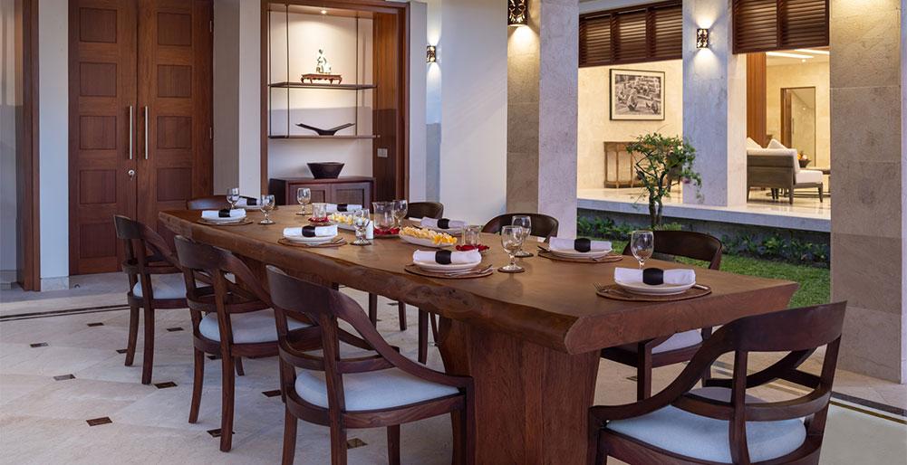 Villa Kailasha - Formal dinner setup