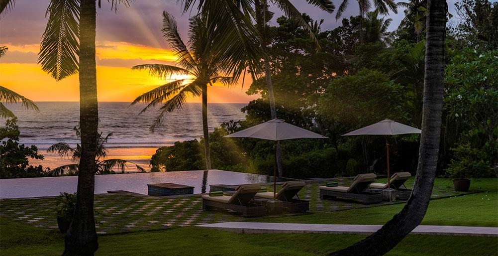 Villa Kailasha - Dramatic sunset from pool