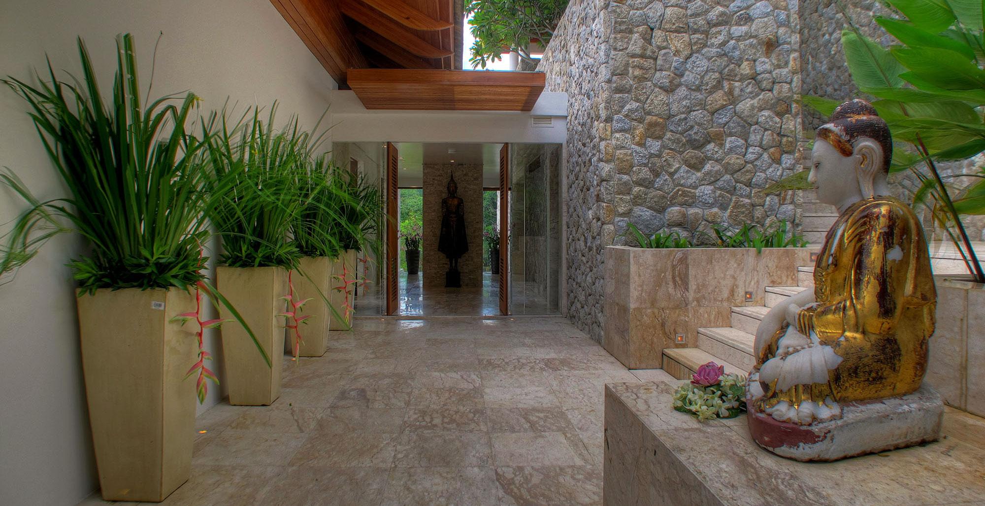 Villa Minh - Grand entrance